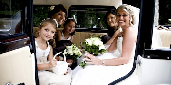 Bramwith limousine with bridesmaids
