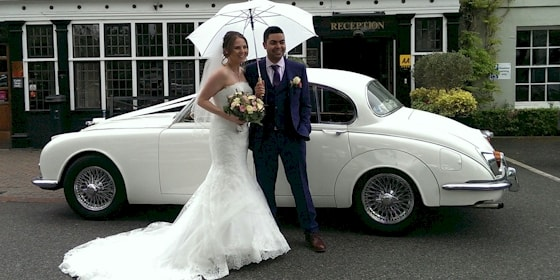 Jaguar Mk2 with the Bride and Groom at their reception
